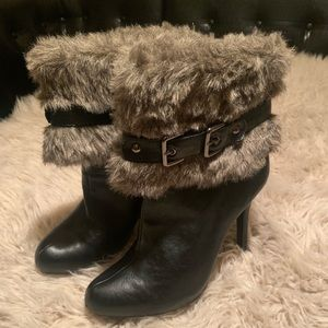 Paprika ankle boots with fur and buckle